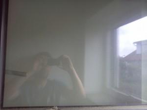 Fenster-vor-dem-Reinigen-mit-dem-Dampfsauger