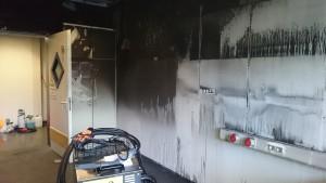 Brandwand-nach-Reinigung-mit-Industriedampfreiniger