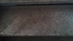 Riffelplatten vor der Reinigung