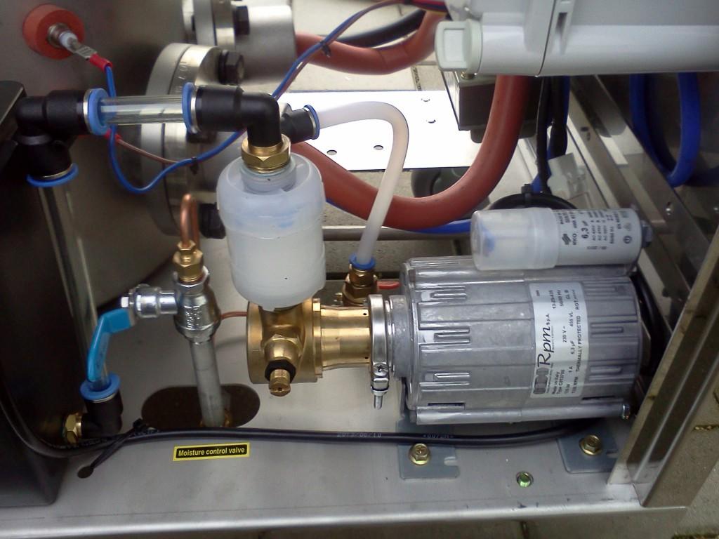 Wasserpumpe-m-Wasserfilter-Dampfkessel